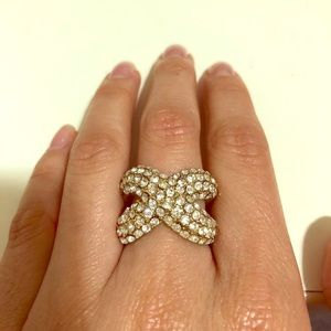 Jewelry - Criss cross X Studded Ring